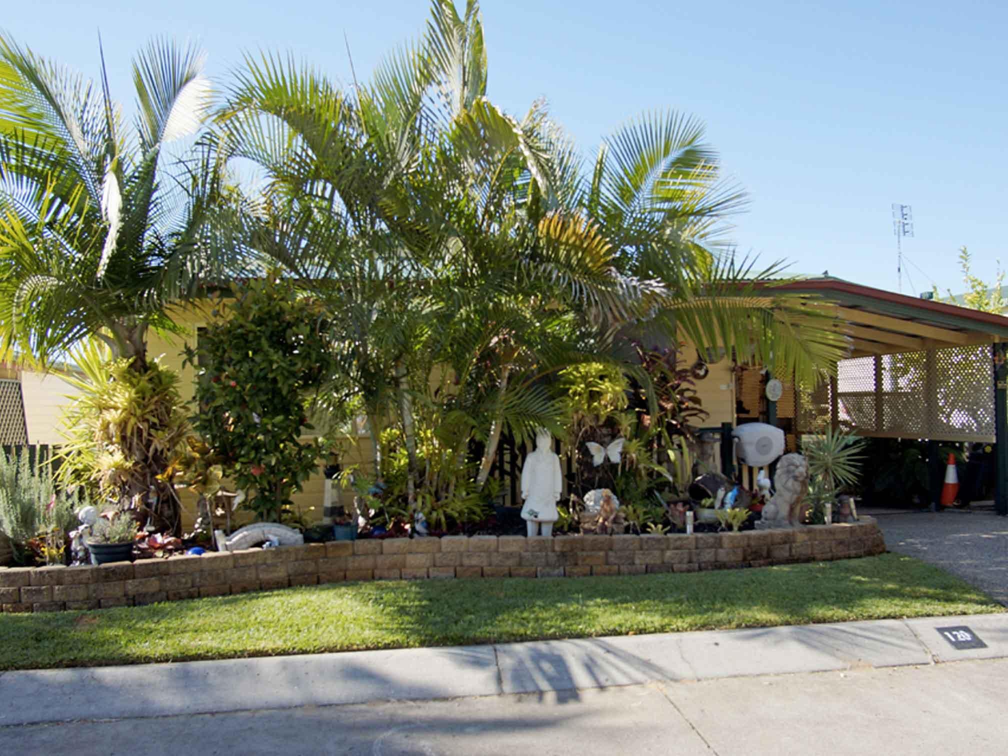 120 heritage home kookaburra village